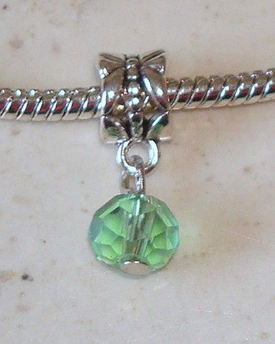 Dangle met facetkraal Groen