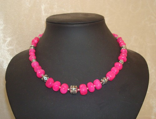 Collier van nuggets van jade Hot Pink