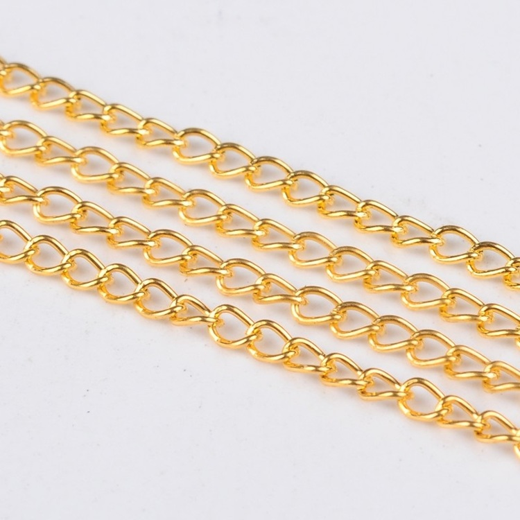 3 meter goldplated schakelketting 5 x 3 mm.
