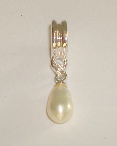 Sterling verzilverde dangle met natuurparel Wit